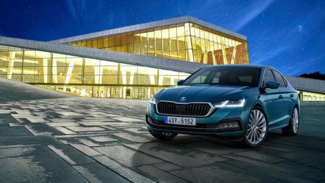 El nuevo Octavia se presenta con un nuevo diseño emotivo y tecnologías innovadoras.