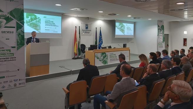El alcalde de Estepona, José María García Urbano, en la Jornada Ciudades Accesibles celebradas en Málaga