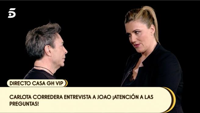 Carlota Corredera entrevista al maestro Joao en 'Sálvame Banana'.