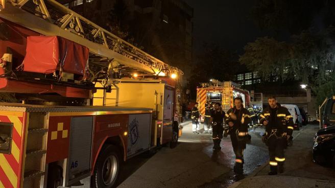Dos hombres han resultado heridos de gravedad este miércoles tras una explosión en un cuarto de calderas en la calle Madre de Dios, en el distrito madrileño de Chamartín, según ha explicado una portavoz de Emergencias Madrid.