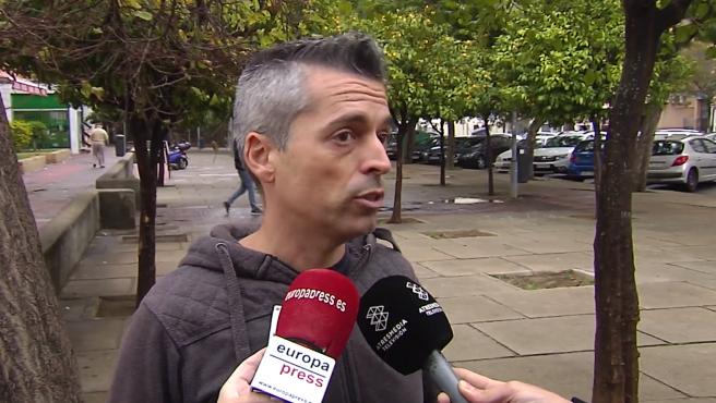 El padre de una menor de Jerez (Cádiz), Javier Barba, ha denunciado la agresión que ha sufrido su hija por parte de un compañero de clase en un instituto de la localidad y ha lamentado la inacción del centro educativo ante lo sucedido.