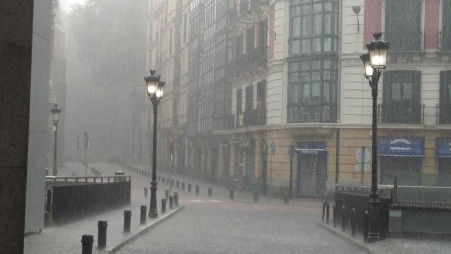 Activado el aviso amarillo por lluvias persistentes en Euskadi el martes y miércoles