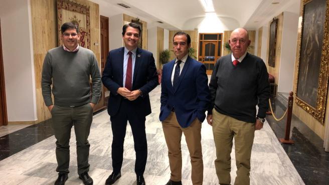 El alcalde con representantes de la Asociación de Accionistas Minoritarios del Córdoba CF