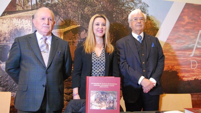 El autor, el doctor en Historia José Luis Pérez Moreno, ha presentado la publicación de su trabajo acompañado por la alcaldesa de la ciudad, Ana Isabel Jiménez.