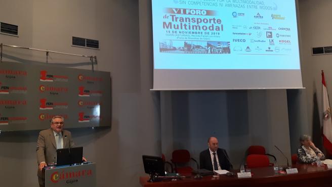 El presidente de la CETM, Ovidio de la Roza, durante la inauguración del VI Foro de Transporte Multimodal