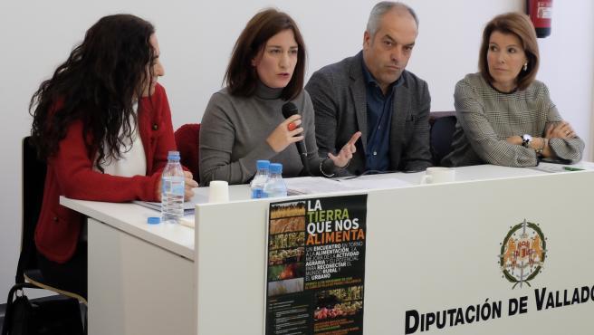 La concejal de Medio Ambiente y Desarrollo Sostenible del Ayuntamiento de Valladolid, María Sánchez, en la Jornada La Tierra que nos Alimenta.