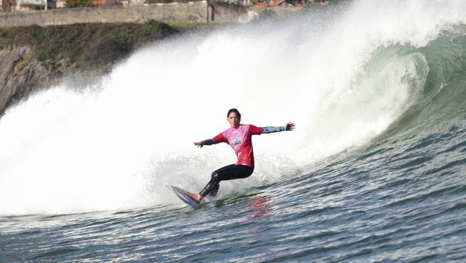 La surfista Garazi Sánchez.