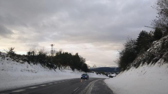 Temporal.- Una docena de puertos de alta montaña permanecen cerrados al tráfico