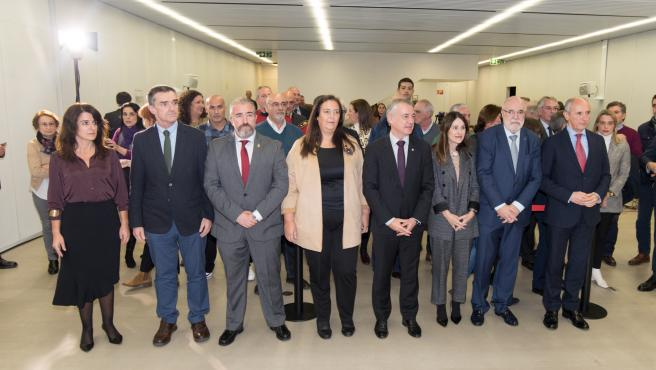 El Lehendakari inaugura la exposición 'Vivir sin miedo/vivir sin memoria' de la AVT en Bilbao