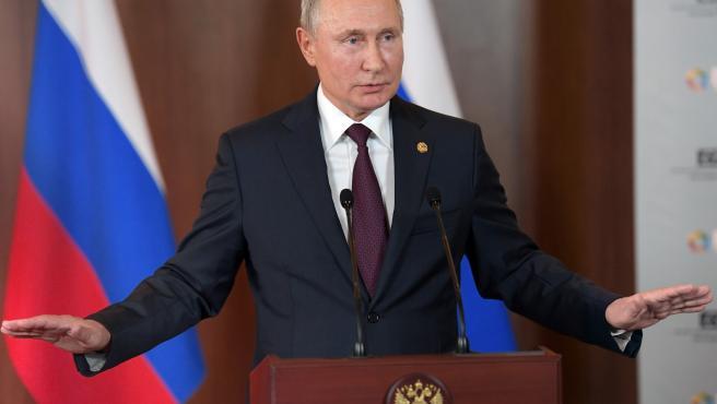 Putin attends BRICS summit