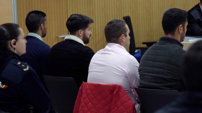 Vista de los cuatro miembros de La Manada, Alfonso Jesús Cabezuelo, José Ángel Prenda, Antonio Manuel Guerrero y Jesús Escudero durante el juicio por los hechos acaecidos en Pozoblanco
