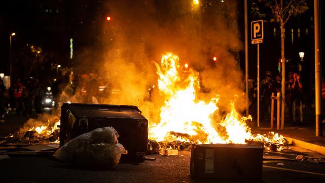 Disturbios en el entorno del Paseo de Gracia y Plaza Cataluña tras la manifestación en Barcelona en rechazo a la sentencia del 1-O y para pedir la libertad de los presos a 26 de octubre de 2019