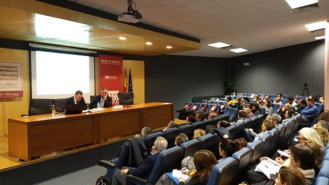 Jornada sobre los Menores No Acompañados en la UA organizada por la Sindicatura de Greuges en el Día de la Infancia.