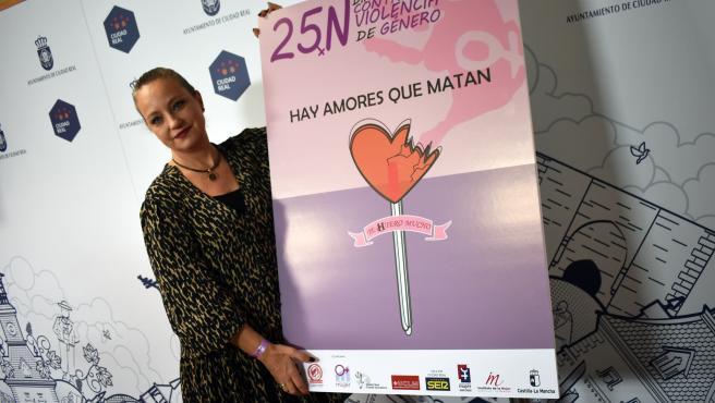 La concejala de Igualdad, Ana Belén Chacón, en la presentación de los actos previstos.