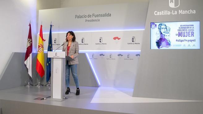 La consejera portavoz y de Igualdad, Blanca Fernández, en rueda de prensa