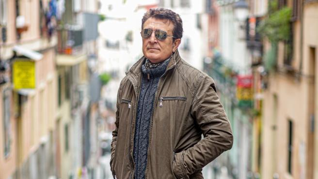 Manolo García posa tras una entrevista para Europa Press, en Madrid (España), a 20 de noviembre de 2019.