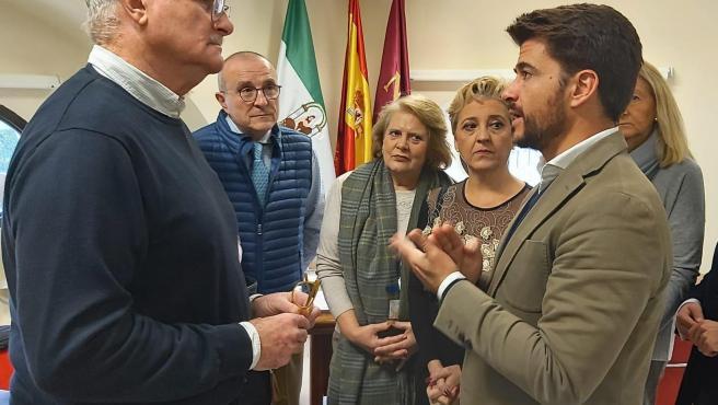 Pérez con representantes vecinales