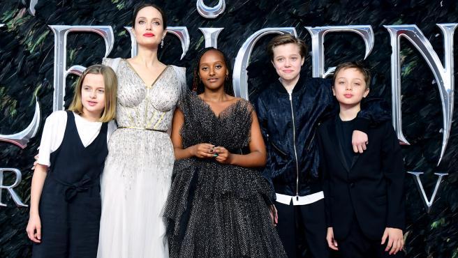 Angelina Jolie junto a sus hijos en la presentación de 'Maléfica 2'.