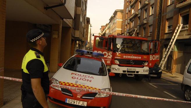 Bomberos y Policía Local de Gijón
