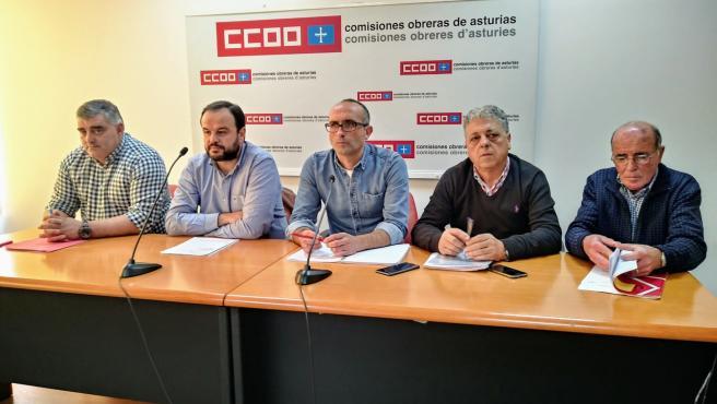 Damian Manzano y Manuel Pérez Uria (CCOO de Industria), Jenaro Martínez y José Ramón Calleja (UGT FICA) y Ángel Suárez (USO)