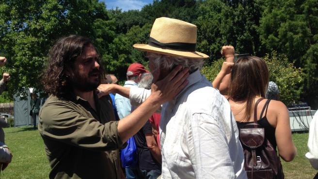 El portavoz nacional de Anova, Antón Sánchez, y el fundador, Xosé Manuel Beiras, en el acto de Anova del Día de Galicia