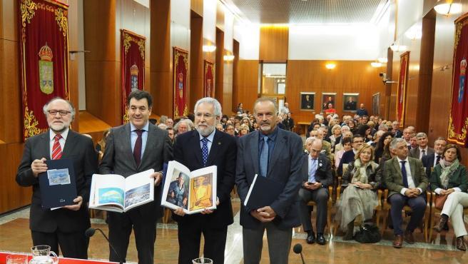 Presentación del catálogo de la colección de arte del Parlamento de Galicia