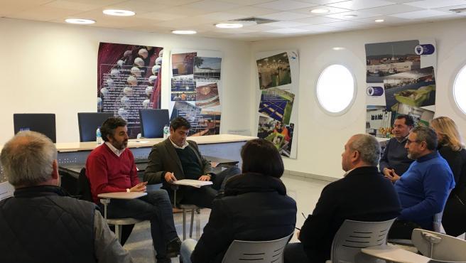 Reunión entre el consejero de Desarrollo Rural y representantes del sector pesquero