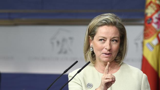CC avisa a Sánchez que a ERC 'le trae al pairo' España y le exige concretar su p
