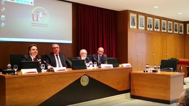 Mesa del congreso interrumpido en la US con recriminaciones a un diputado de Vox y a Mayor Oreja