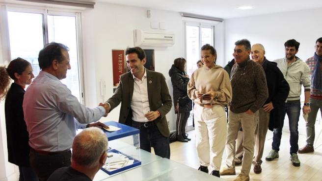 Casares pide a la militancia del PSOE de Cantabria que apoye el acuerdo con Unidas Podemos