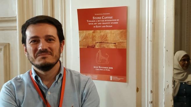El profesor Pablo Ozcáriz, en un congreso internacional sobre grafitos en Egipto y Sudán
