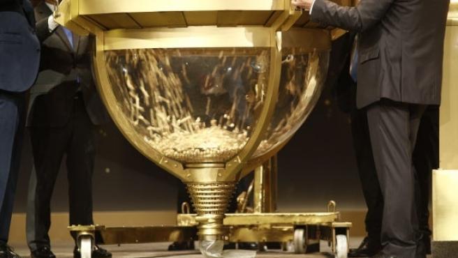 El Sorteo Extraordinario de la Lotería de Navidad, un tercio de las ventas de SELAE.