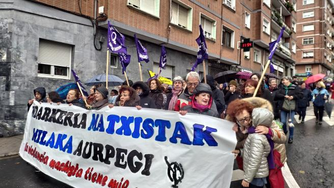 Manifestación de mujeres contra la violencia machista en Sestao (Bizkaia)
