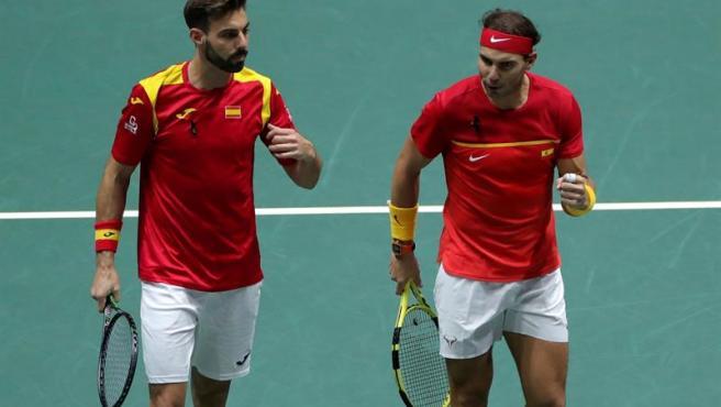 Nadal y Ggranollers en el dobles, decisivo de los cuartos de final ante Argentina.