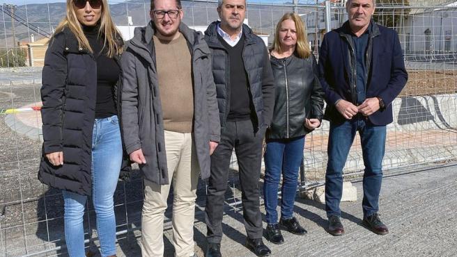 Socialistas visitan las obras de acceso a Abrucena