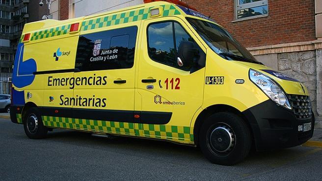 Sucesos.- Herida una mujer en una colisión entre dos turismos en Columbrianos (León)