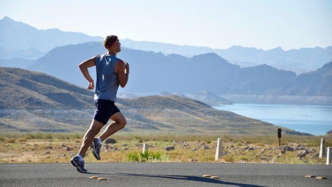 Salir a correr repercute en muchos beneficios para nuestro cuerpo.