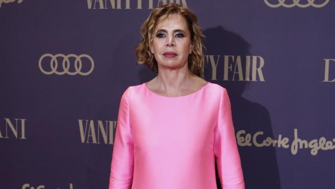 La diseñadora Ágatha Ruiz de la Prada a su llegada al Teatro Real de Madrid, donde el actor Antonio Banderas ha recibido el premio 'Personaje del Año 2019'.