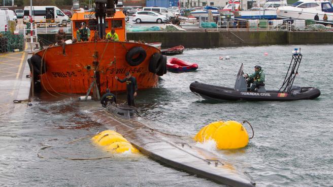 Las tareas para reflotar el narcosubmarino