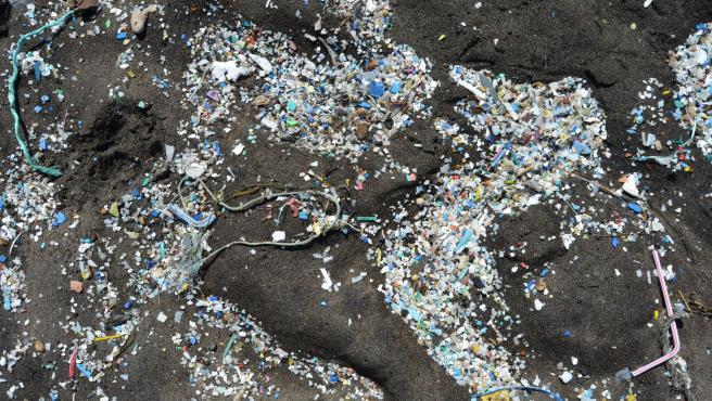 Microplásticos en una playa de Canarias