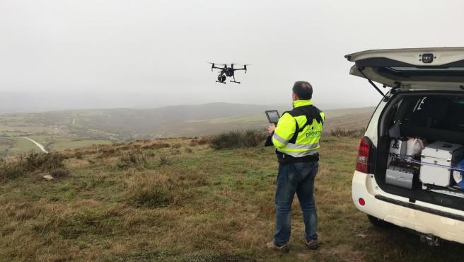 Dron en la búsqueda del vecino de Igollo cuyo coche apareció en Valderredible