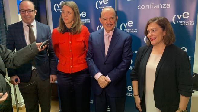 El vicepresidente de la Diputación de Valladolid Víctor Alonso, la presidenta de la CVE, Ángela de Miguel, el empresario mexicano Raúl Beyruti, y la concejal de Innovación, Desarrollo Económico y Empleo de Valladolid, Charo Chávez.
