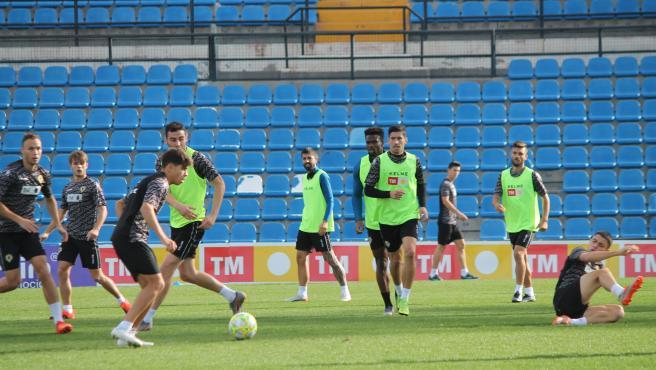 El Hércules, durante un entrenamiento en el José Rico Pérez.