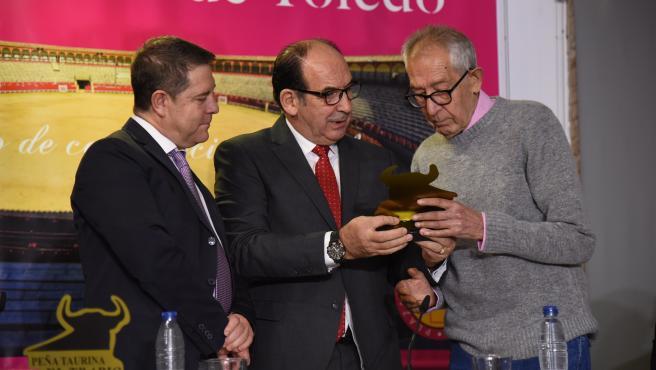 Homenaje de la peña taurina 'El Trapío' al cronista toledano José Ponos.
