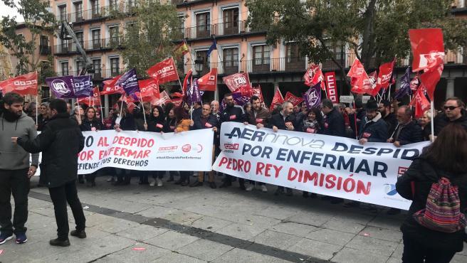 Manifestación de CCOO y UGT en Toledo contra el despido por enfermar
