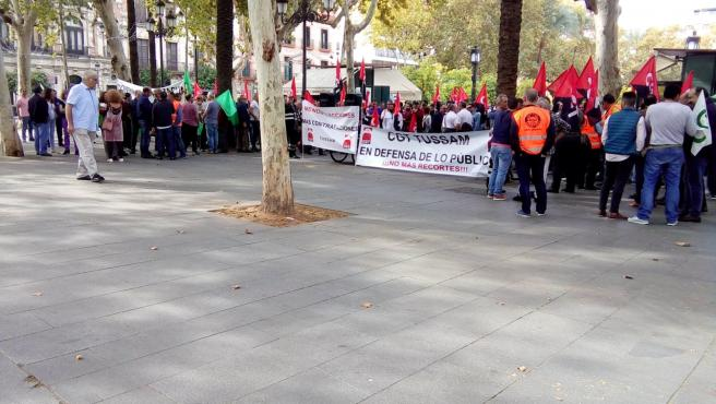 Protesta de los trabajadores de Tussam ante el Ayuntamiento