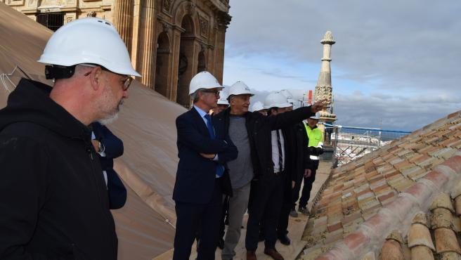 El ministro de Cultura, José Guirao, en su visita a las obras de las cubiertas de la Catedral de Jaén