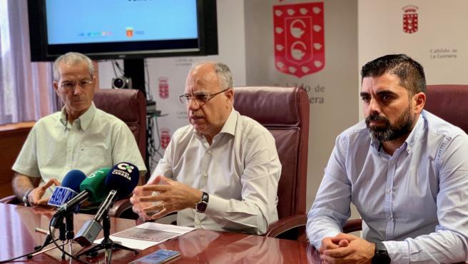 El presidente del Cabildo de La Gomera, Casimiro Curbelo, presenta 'La Gomera estrategia verde'