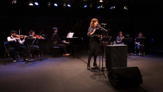 Elvira Lindo acompañada del sexteto Linien Ensemble