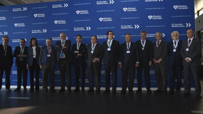 Empresaris participants en l'acte pel Corredor Mediterrani a Elx.